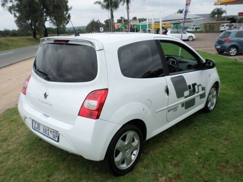 used renault twingo 1 2 dynamique for sale in gauteng id 1895213. Black Bedroom Furniture Sets. Home Design Ideas