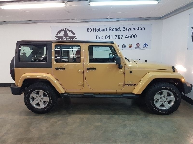 used jeep wrangler sahara 3 6 unlimited a t for sale in gauteng id 1905144. Black Bedroom Furniture Sets. Home Design Ideas