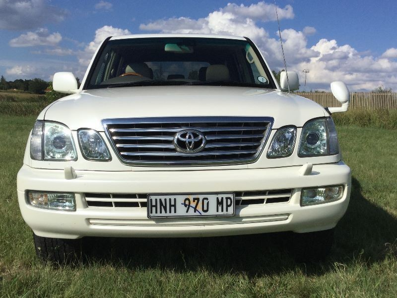used toyota land cruiser 100 v8 a t for sale in mpumalanga id 1906697. Black Bedroom Furniture Sets. Home Design Ideas