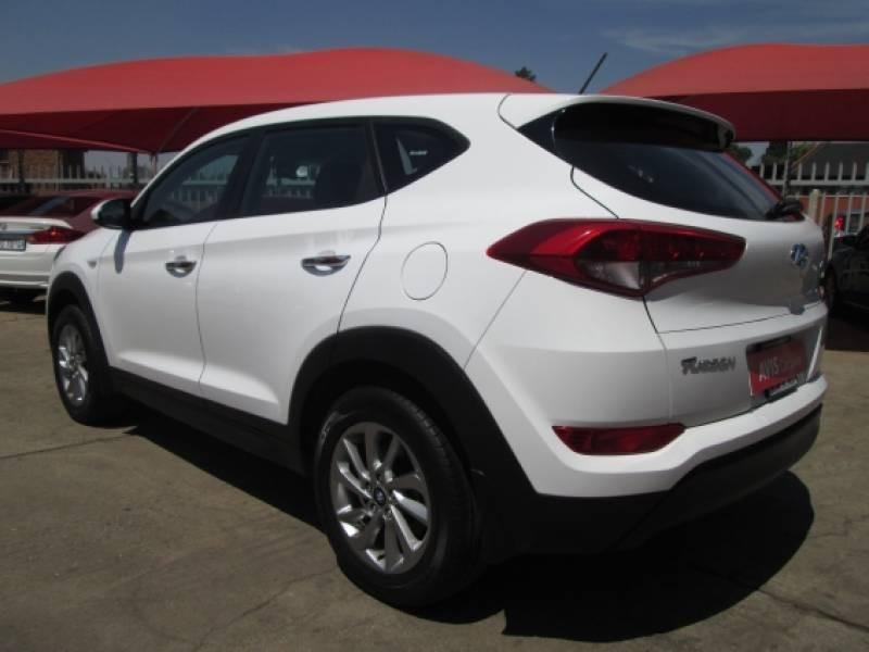 Used hyundai tucson 2 0 premium for sale in gauteng cars for Motor vehicle department tucson