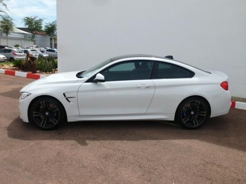 used bmw m4 coupe m dct for sale in gauteng id 1918343. Black Bedroom Furniture Sets. Home Design Ideas
