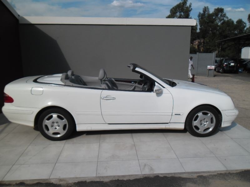 used mercedes benz clk class clk 320 elegance convertible a t for sale in gauteng. Black Bedroom Furniture Sets. Home Design Ideas