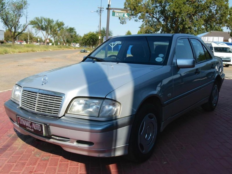 Used mercedes benz c class c200 classic a t for sale in for Mercedes benz c class 1999 for sale
