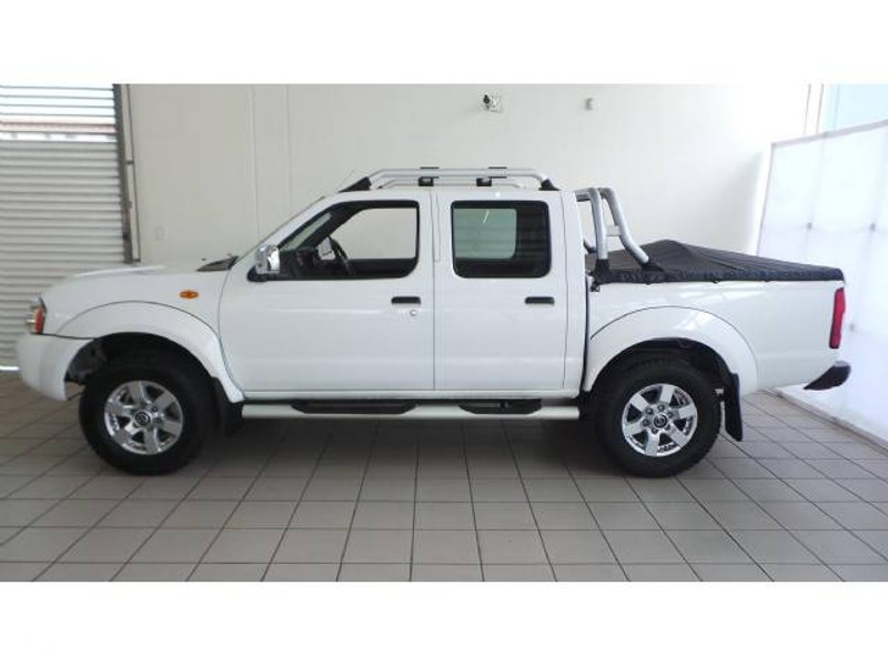 used nissan hardbody np300 hi rider double cab bakkie. Black Bedroom Furniture Sets. Home Design Ideas
