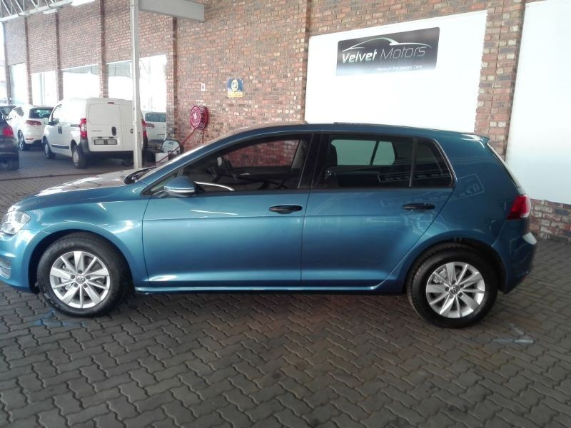 used volkswagen golf vii 1 2 tsi trendline for sale in gauteng id 1929688. Black Bedroom Furniture Sets. Home Design Ideas