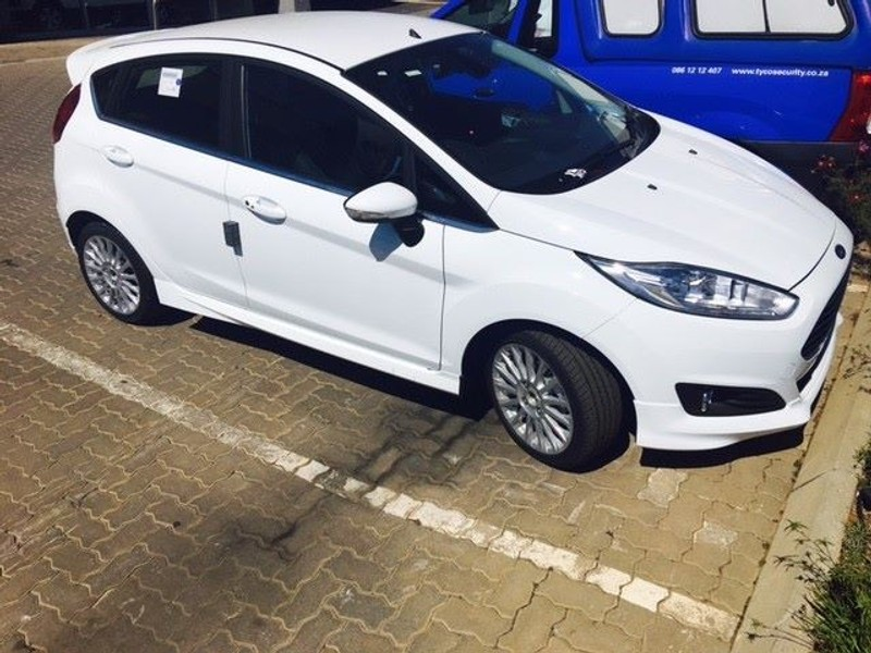 used ford fiesta ford fiesta 1 0 ecoboost at titanium for sale in gauteng id 1930936. Black Bedroom Furniture Sets. Home Design Ideas