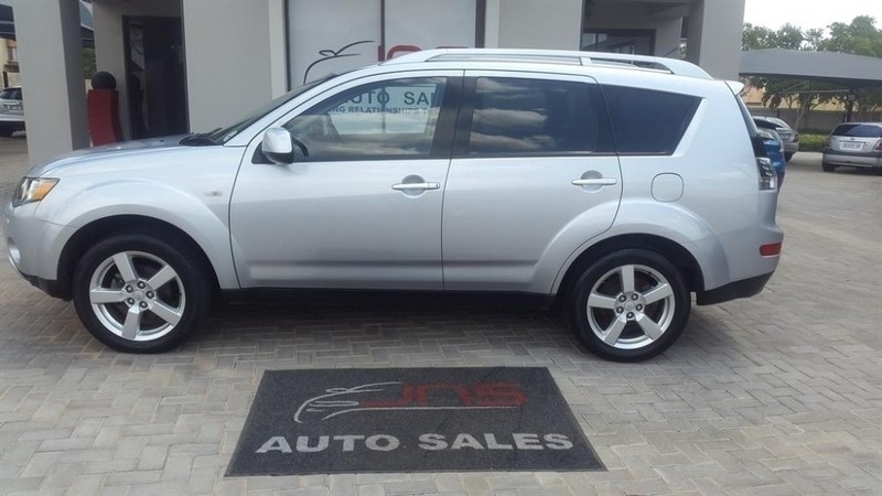 used mitsubishi outlander 2 4 gls a t for sale in gauteng. Black Bedroom Furniture Sets. Home Design Ideas