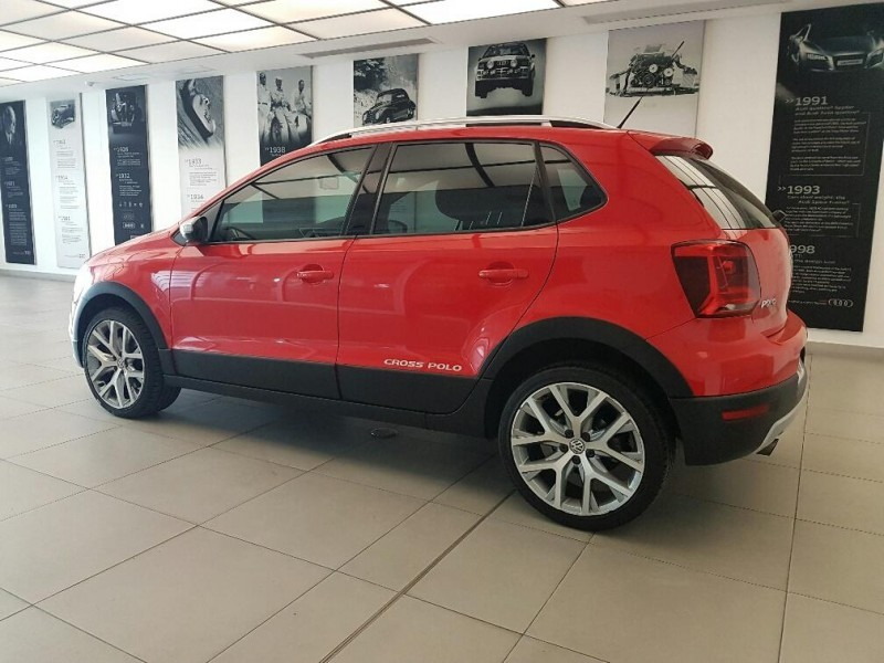 used volkswagen polo cross 1 2 tsi for sale in gauteng id 1936983. Black Bedroom Furniture Sets. Home Design Ideas