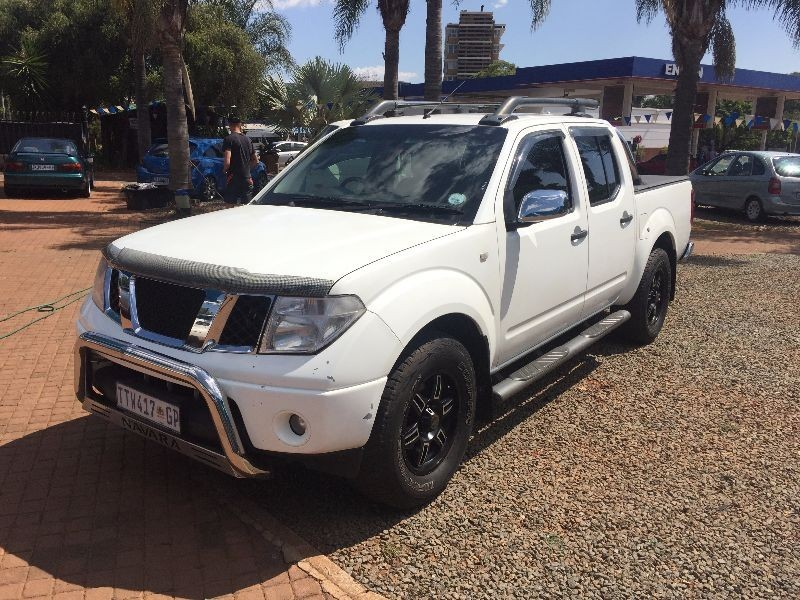 used nissan navara 4 0 v6 p u d c for sale in gauteng id 1943338. Black Bedroom Furniture Sets. Home Design Ideas