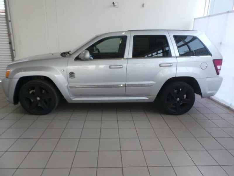 used jeep grand cherokee srt8 for sale in gauteng id 1951891. Black Bedroom Furniture Sets. Home Design Ideas
