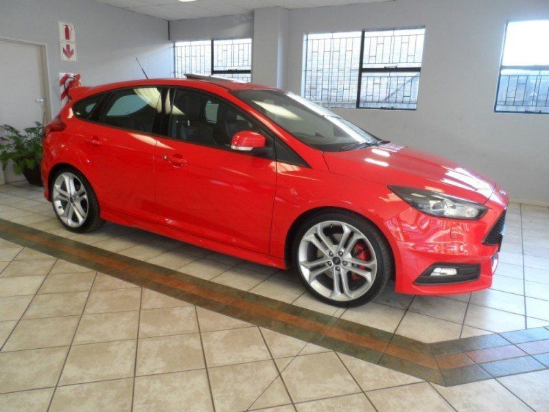 used ford focus st3 2 0 5dr only 3000km for sale in kwazulu natal id 1959315. Black Bedroom Furniture Sets. Home Design Ideas