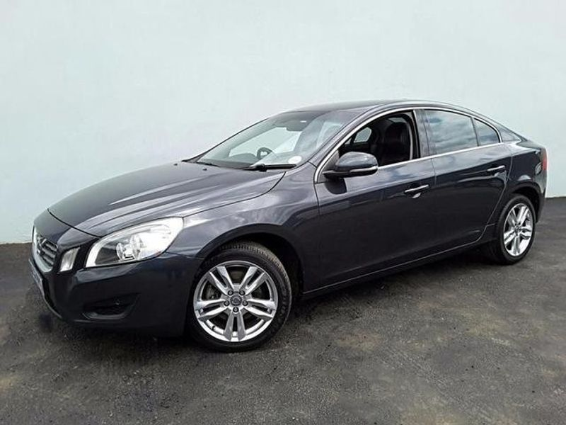 used volvo s60 t5 essential for sale in gauteng id 1964301. Black Bedroom Furniture Sets. Home Design Ideas