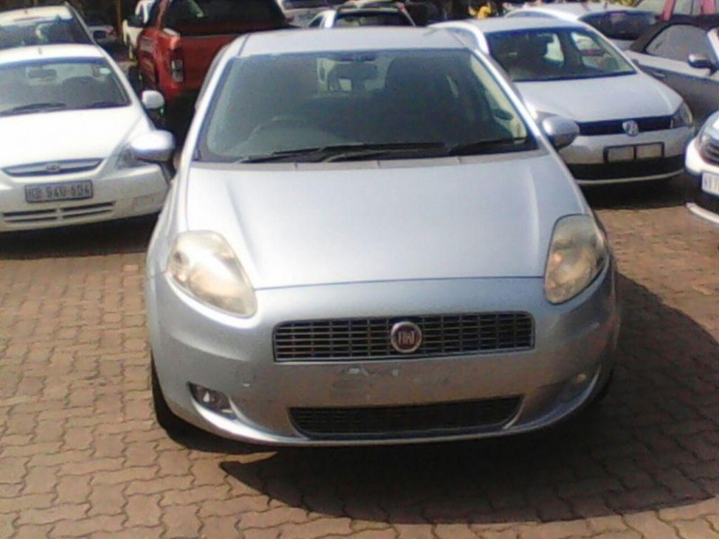 used fiat grande punto 1 4 active 5dr for sale in kwazulu natal id 1974867. Black Bedroom Furniture Sets. Home Design Ideas
