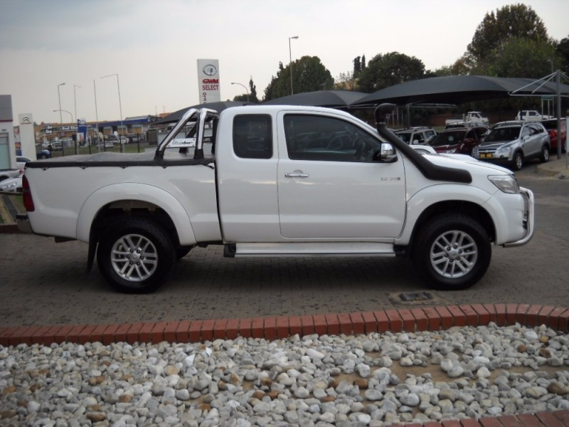 used toyota hilux raider 3 0 d4d 4x4 xtra cab manual for sale in gauteng id 1982759. Black Bedroom Furniture Sets. Home Design Ideas