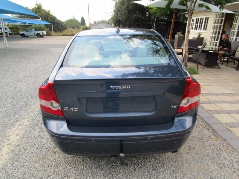 used volvo s40 t5 a t for sale in gauteng id. Black Bedroom Furniture Sets. Home Design Ideas
