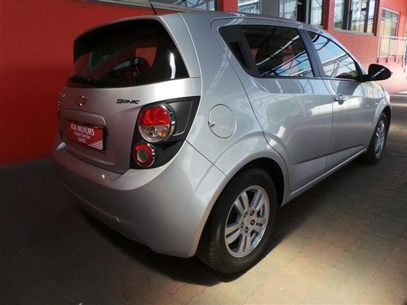 used chevrolet sonic 1 6 ls 5dr for sale in gauteng id 1989939. Black Bedroom Furniture Sets. Home Design Ideas