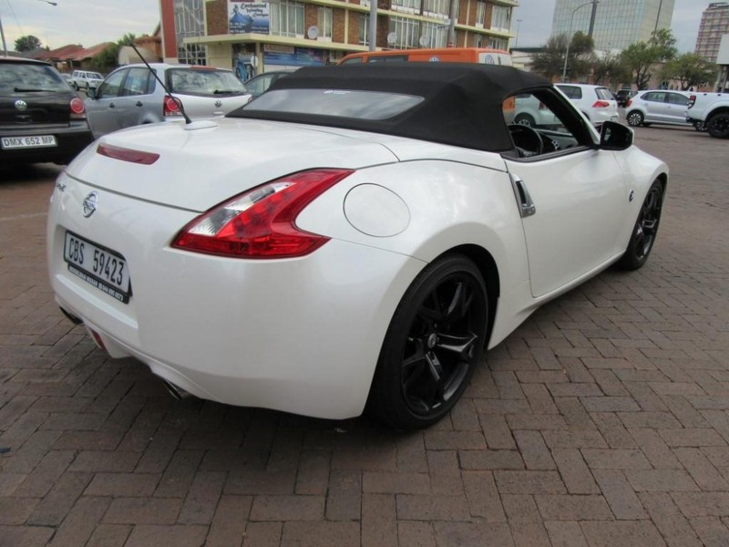 used nissan 370z roadster a t for sale in gauteng id 1994663. Black Bedroom Furniture Sets. Home Design Ideas