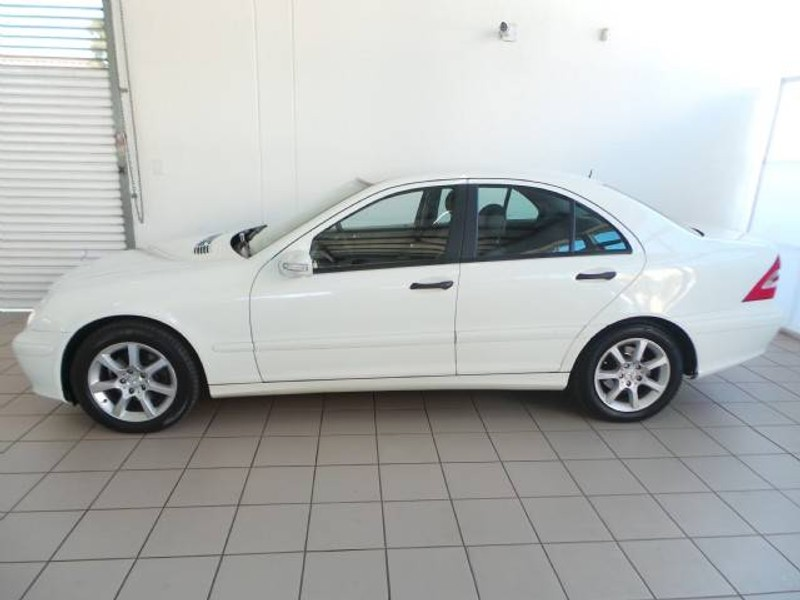 Used mercedes benz c class c180k classic a t for sale in for 2006 mercedes benz c class for sale