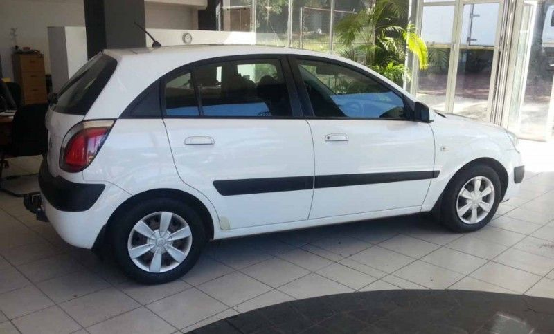 used kia rio 1 4 5dr for sale in gauteng id 2007413. Black Bedroom Furniture Sets. Home Design Ideas