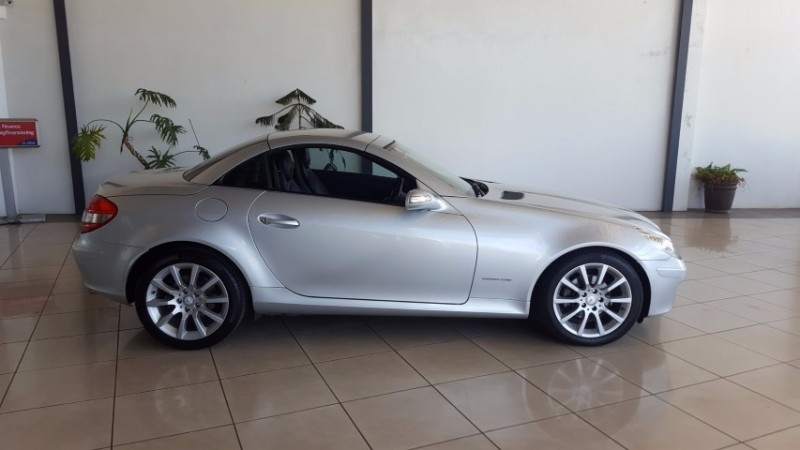 used mercedes benz slk class 200 at for sale in gauteng. Black Bedroom Furniture Sets. Home Design Ideas