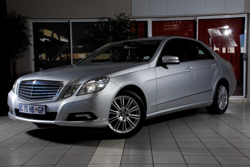 Used mercedes benz e class e500 elegance a t for sale in for Mercedes benz e500 for sale