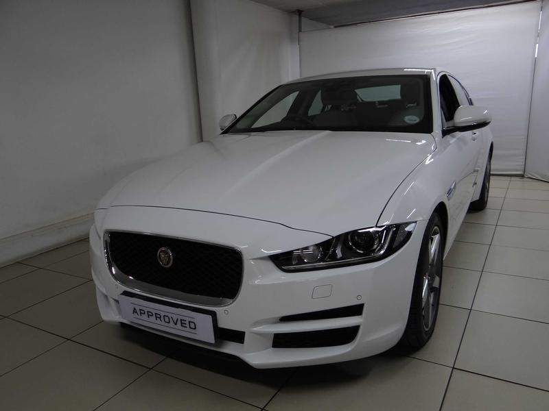 used jaguar xe 2 0d pure for sale in gauteng id 2022117. Black Bedroom Furniture Sets. Home Design Ideas
