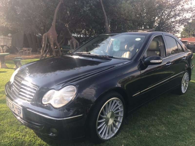 Used mercedes benz c class c 180 classic for sale in for 2006 mercedes benz c class for sale