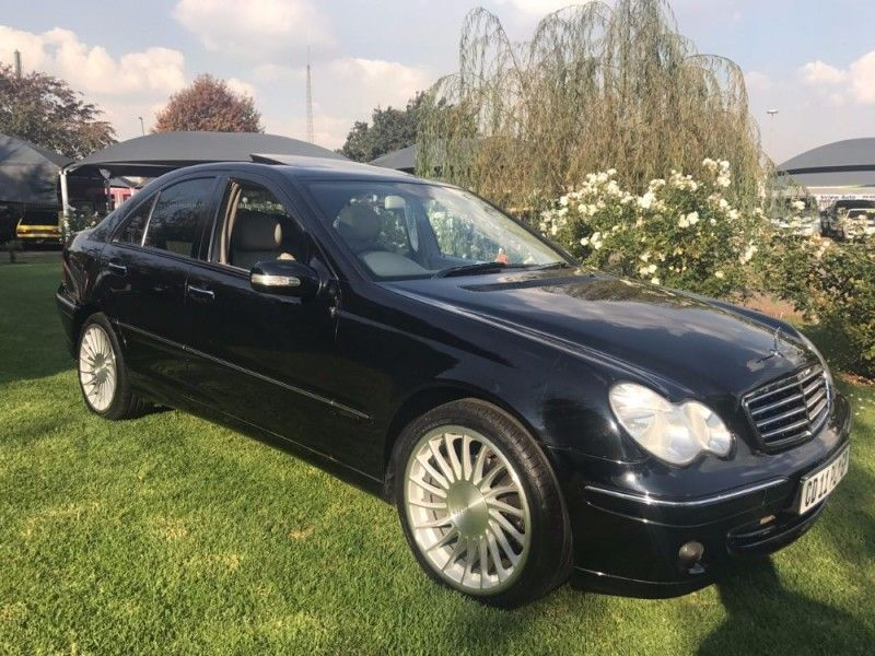 Used mercedes benz c class c 180 classic for sale in for Mercedes benz c class 2006 for sale