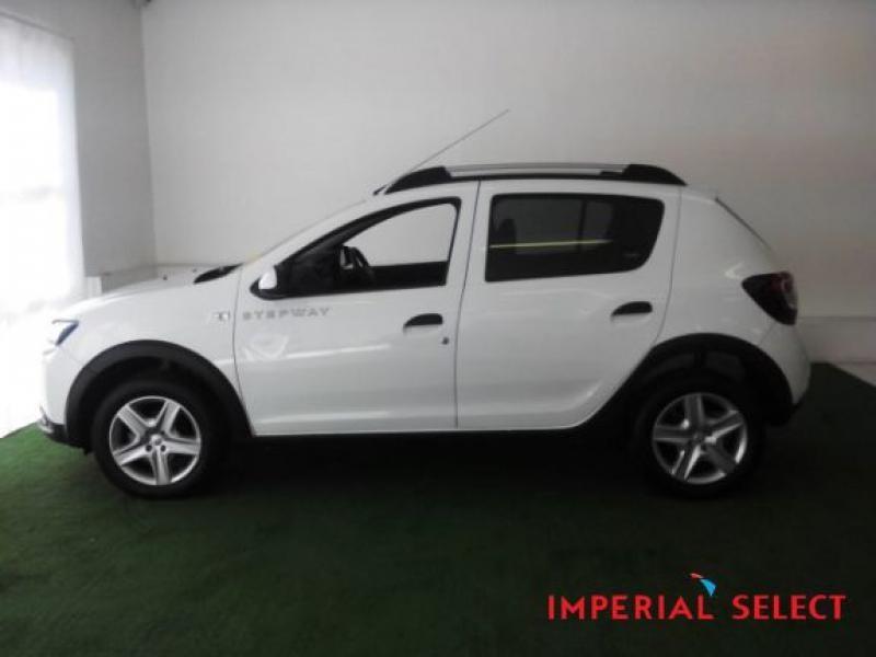 Used Renault Sandero 900T Stepway for sale in Western Cape ...