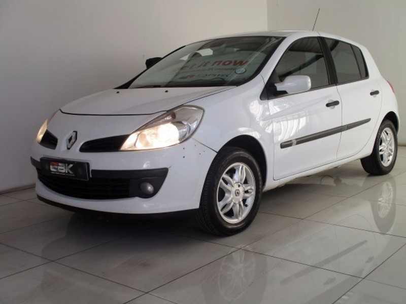 used renault clio iii 1 6 expression 5dr for sale in gauteng id 2043967. Black Bedroom Furniture Sets. Home Design Ideas