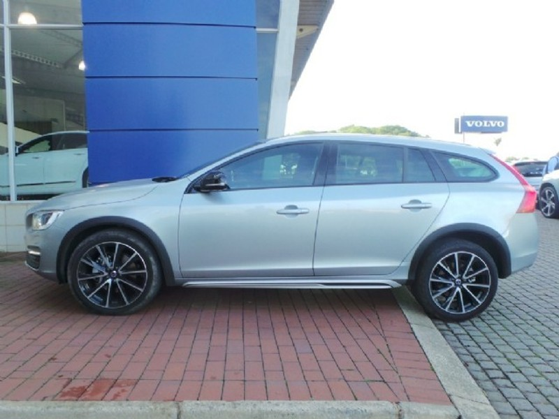 used volvo v60 cc t5 inscription geartronic awd for sale in kwazulu natal id 2045735. Black Bedroom Furniture Sets. Home Design Ideas