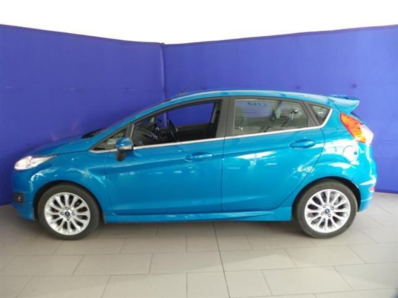 used ford fiesta 1 0 ecoboost titanium 5dr for sale in. Black Bedroom Furniture Sets. Home Design Ideas