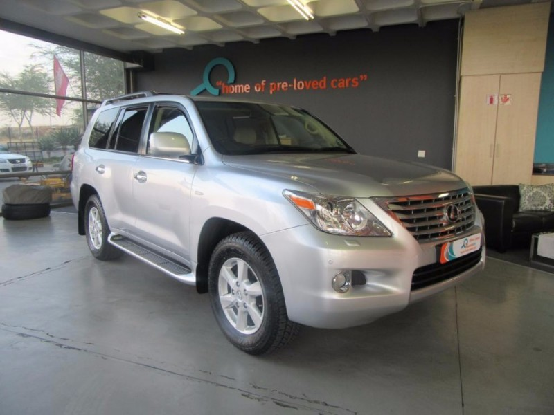 used lexus lx 570 for sale in gauteng id 2054263. Black Bedroom Furniture Sets. Home Design Ideas