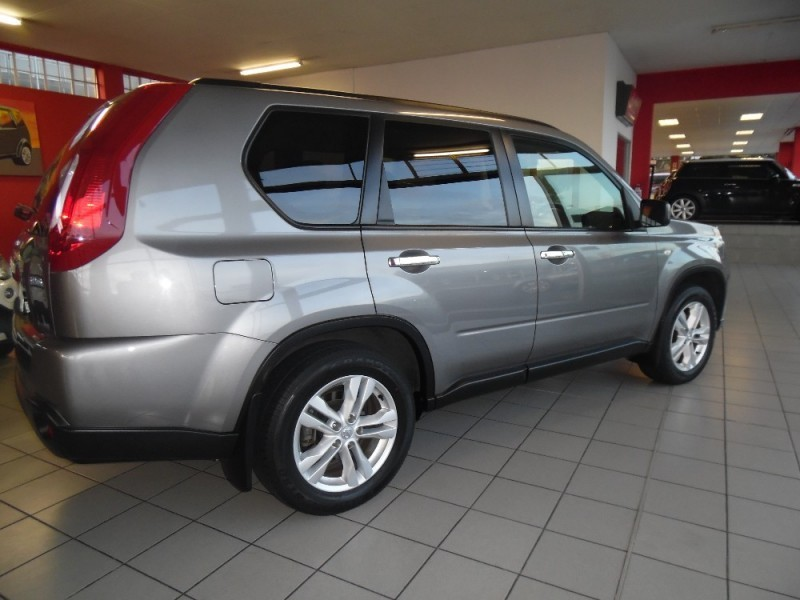 used nissan x trail 2012 nissan xtrail 2 5 se 44 49000km for sale in western cape. Black Bedroom Furniture Sets. Home Design Ideas
