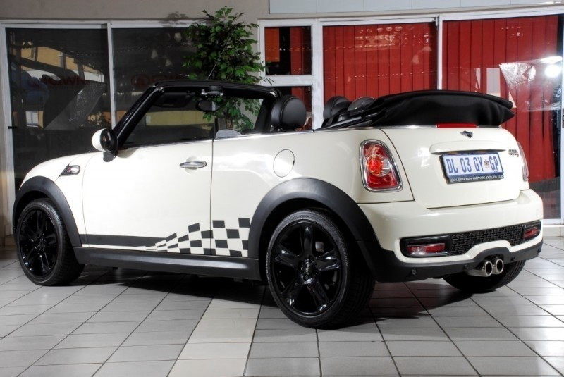 used mini cooper s convertible for sale in gauteng id 2082914. Black Bedroom Furniture Sets. Home Design Ideas