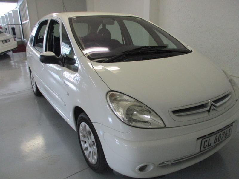 Used citroen xsara picasso 2 0 a t exclusive for sale in for Housse xsara picasso