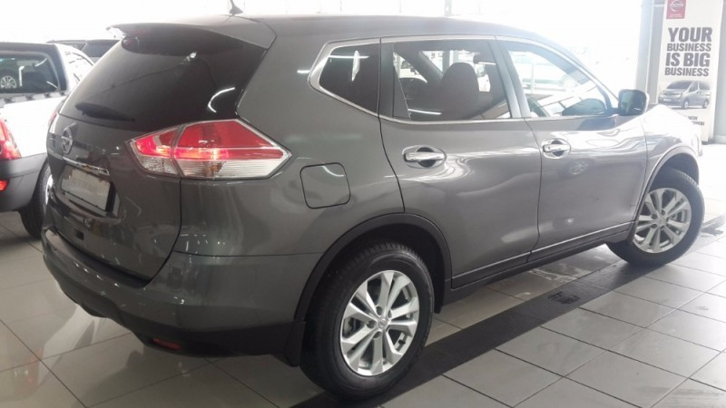 used nissan x trail 2 0 xe 7 seater for sale in north west. Black Bedroom Furniture Sets. Home Design Ideas