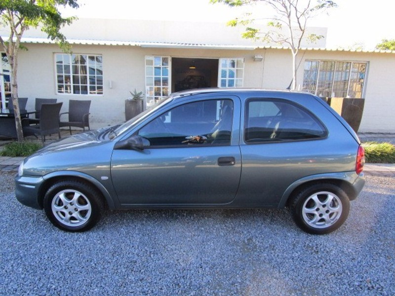 used opel corsa lite sport for sale in gauteng id 2096238. Black Bedroom Furniture Sets. Home Design Ideas
