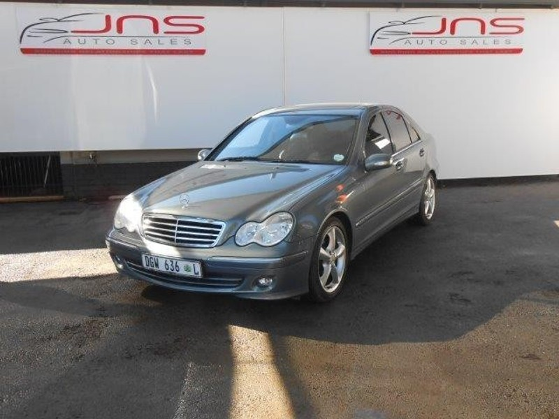 Used mercedes benz c class c180k classic for sale in for Mercedes benz c class 2006 for sale