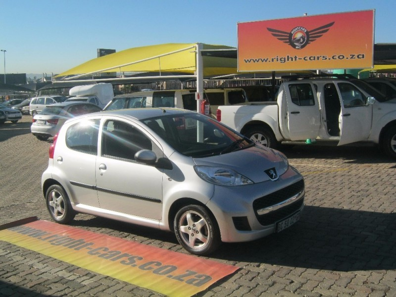 used peugeot 107 trendy for sale in gauteng id 2110736. Black Bedroom Furniture Sets. Home Design Ideas