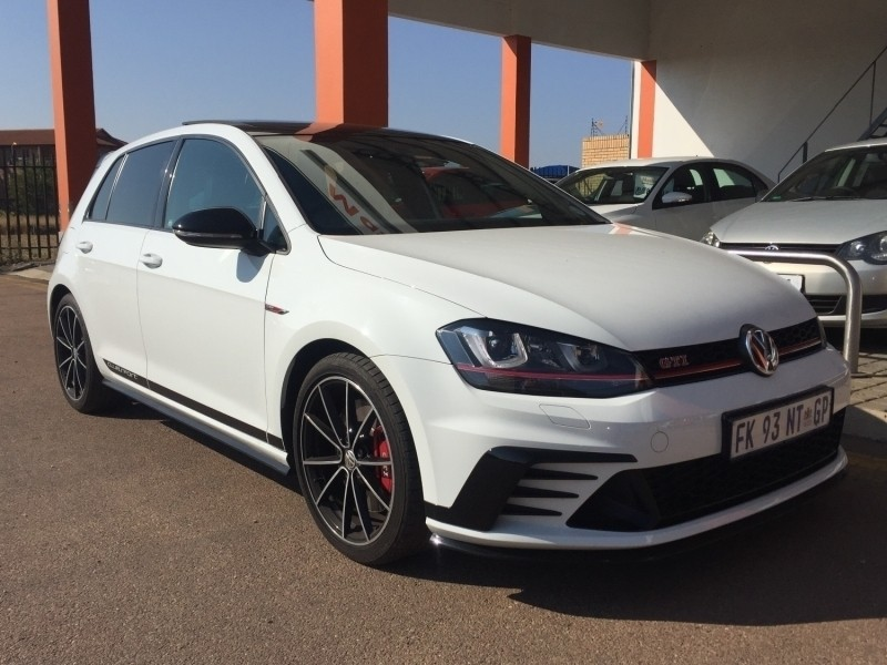 used volkswagen golf vii gti 2 0 tsi clubsport dsg for. Black Bedroom Furniture Sets. Home Design Ideas
