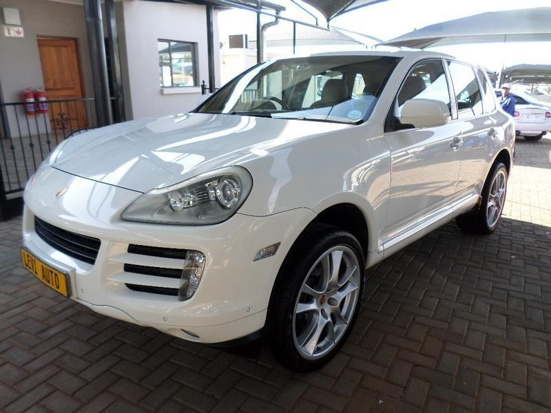 used porsche cayenne tiptronic for sale in gauteng id 2141078. Black Bedroom Furniture Sets. Home Design Ideas