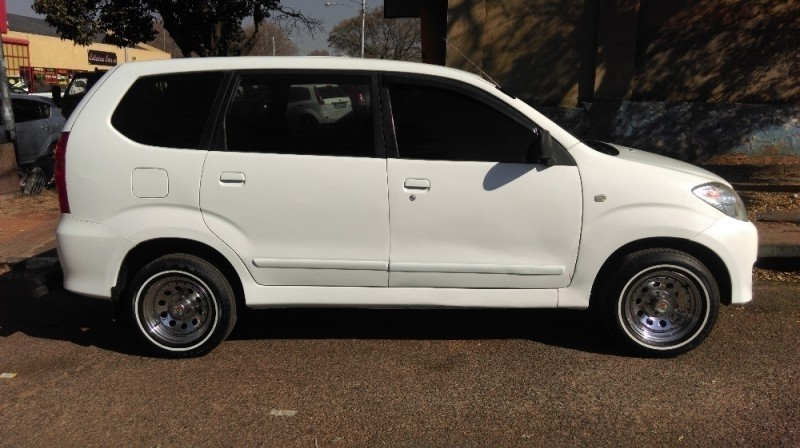 used toyota avanza 1 3 sx cash only for sale in gauteng id 2183630. Black Bedroom Furniture Sets. Home Design Ideas
