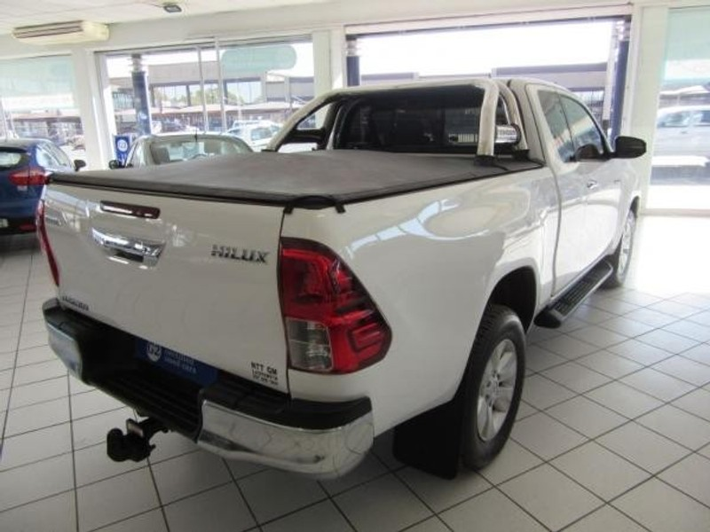 used toyota hilux 2 8 gd 6 rb raider extended cab bakkie for sale in kwazulu natal   cars co za