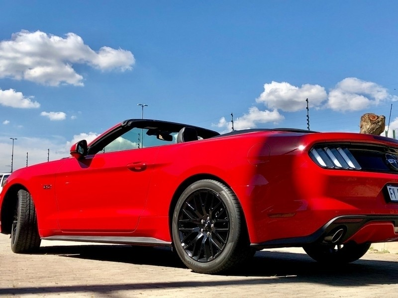 used ford mustang 5 0 gt convertible auto for sale in gauteng id 2187634. Black Bedroom Furniture Sets. Home Design Ideas