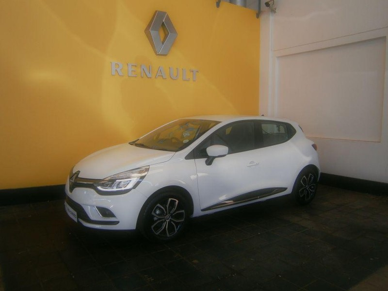 used renault clio iv 900 t dynamique 5 door 66kw for sale in gauteng id 2192870. Black Bedroom Furniture Sets. Home Design Ideas