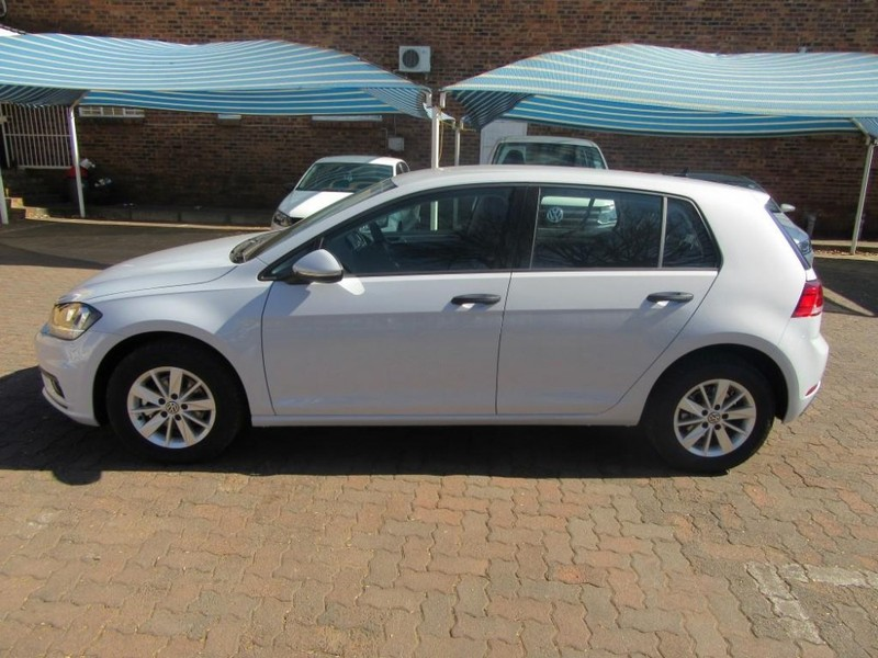 used volkswagen golf vii 1 0 tsi trendline for sale in gauteng id 2203558. Black Bedroom Furniture Sets. Home Design Ideas