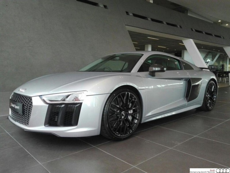 used audi r8 5 2 fsi quattro s tronic plus for sale in western cape id 2227842. Black Bedroom Furniture Sets. Home Design Ideas