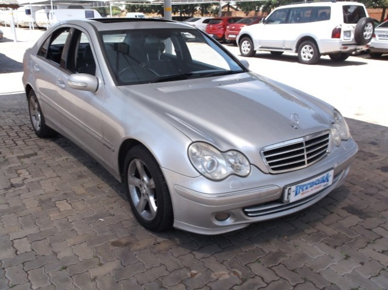 Used mercedes benz c class c 200k classic for sale in for Mercedes benz c class used cars for sale