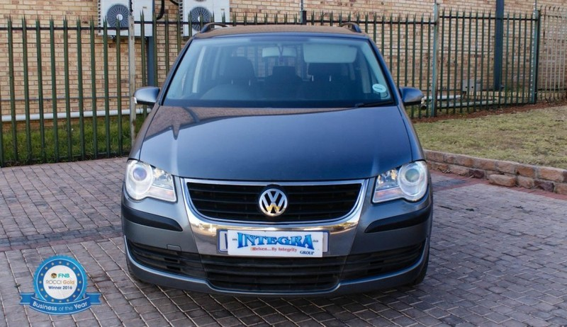 used volkswagen touran 1 9 tdi trendline dsg for sale in gauteng id 2266756. Black Bedroom Furniture Sets. Home Design Ideas
